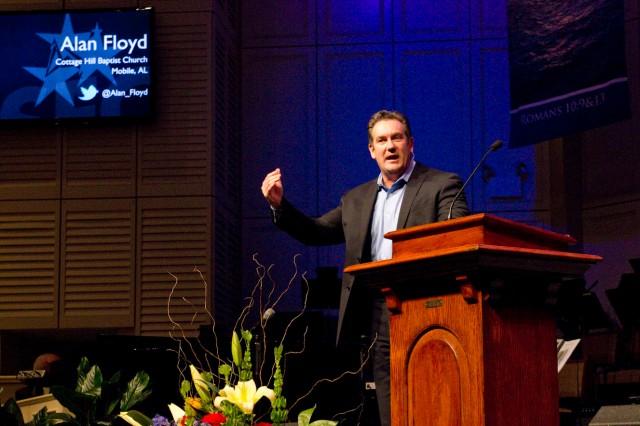 Alan Floyd, pastor of Cottage Hill Baptist Church, Mobile, shares at the Alabama Baptist State Evangelism Conference at Eastmont Baptist Church, Montgomery.