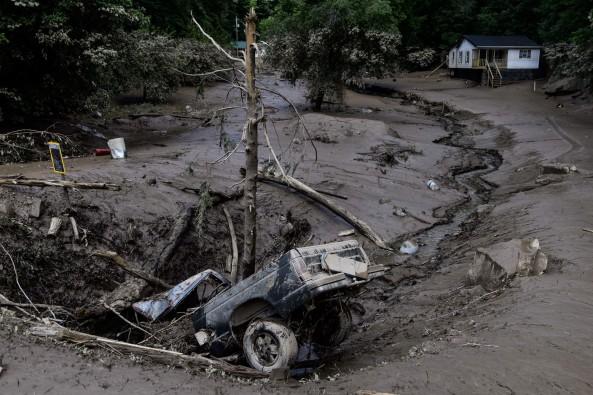 335580d2-72bb-4b75-81f0-304fc73cdbd2-Clendenin,-W.Va.-after-floods